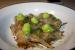 Alcachofas con velo de tocino, mayonesa de cebollino y migas crujientes