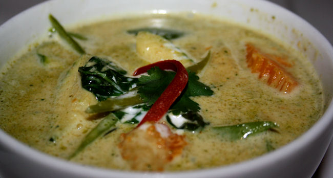 Pollo con curry verde. Krachai, Madrid