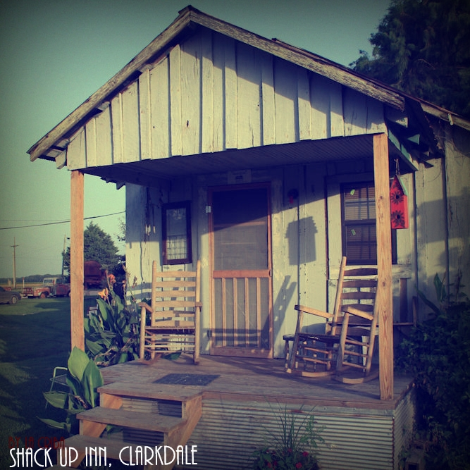 Shack Up Inn (2)