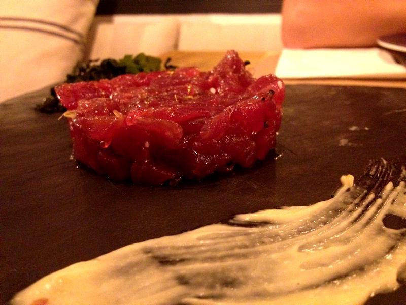 Tartar de cola blanca de atún